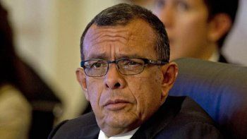 stados Unidos anunció el martes que prohibió la entrada al país al expresidente hondureño Porfirio Pepe Lobo, señalándolo de recibir sobornos de narcotraficantes a cambio de favores políticos.