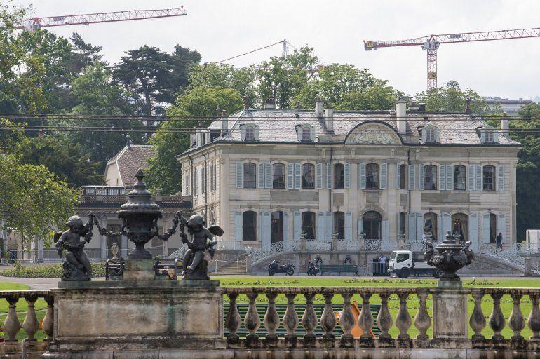 Esta foto del 9 de junio del 2021 muestra la Villa La Grange en el Parc La Grange en Ginebra