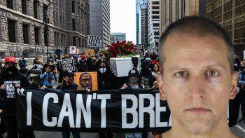 Mientras cientos de manifestantes se congregaban cerca de un tribunal de Minneapolis fuertemente custodiado, el juez del condado de Hennepin, Peter Cahill, ordenó que la selección se pospusiera hasta al menos el martes