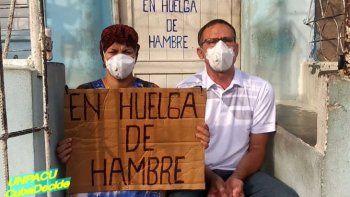 Unos 60 disidentes cubanos permanecen en huelga de hambre