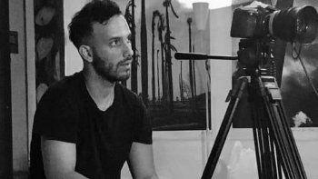 El realizador Anyelo Troya trabajó junto a Asiel Babastro en el videoclip del tema Patria y Vida. Raisa González, madre de Troya, inició los trámites para apelar la sentencia de un año de cárcel que el régimen le impuso.