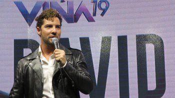 Bisbal afirmó que queda poco de aquel muchachito que actuó por primera vez en el Festival de Viña del Mar, el más grande de Latinoamérica, pero que sigue conservando ese estilo de rumba en sus canciones.