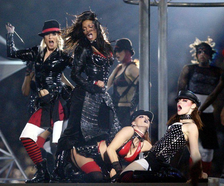En esta fotografía de archivo del primero de febrero de 2004 Janet Jackson