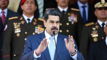 El dictador de Venezuela Nicolás Maduro junto a altos jefes militares durante una conferencia de prensa el pasado 12 de marzo. A la derecha Vladimir Padrino, otros de los más buscados por Estados Unidos por narcotráfico y terrorismo.