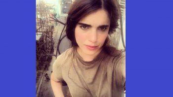 La curadora de arteCarolina Barrerocontó en sus redes sociales que trasla detención que sufrió el pasado miércoles, cuando decidió salir de su vivienda después de un mes de reclusión domiciliaria forzada,fue agredida, desnudada, y finalmente acusada de desacato