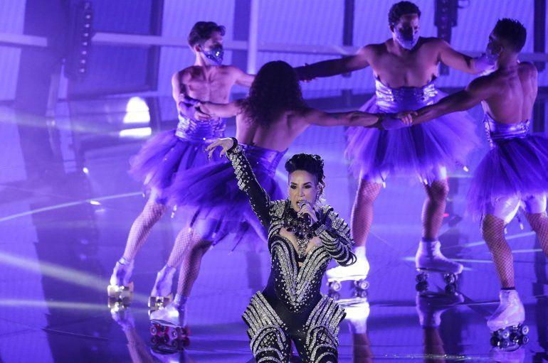 Ivy Queen interpreta Yo perreo sola en la ceremonia de los Premios Billboard de la Música