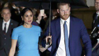 El príncipe Harry y Meghan Markle, el duque y la duquesa de Sussex, llegan a la entrega anual de los Endeavour Fund Awards en Londres el 5 de marzo de 2020.