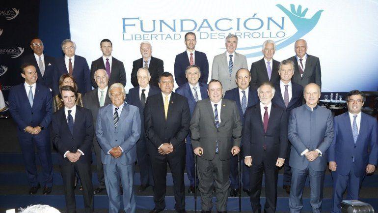 Expresidentes y personalidades participantesen el V Encuentro Ciudadano que organizó al Fundación Libertad y Desarrollo