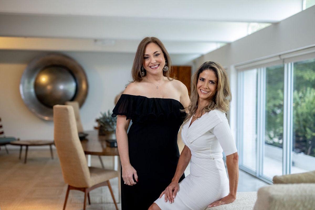 Las doctoras Klara Senior y Sofía Herrera.