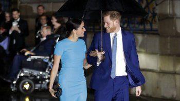 En esta foto de archivo del jueves cinco de marzo de 2020, el príncipe británico Harry y Meghan, el duque y la duquesa de Sussex llegan a los premios anuales del Endeavour Fund Awards en Londres.