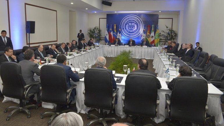 El Gobierno dominicano había fijado para este lunes la nueva ronda de diálogo entre el régimen y la oposición de Venezuela para lograr un acuerdo definitivo.
