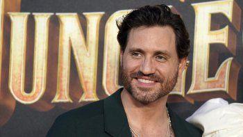 El actor venezolano Edgar Ramírez, miembro del elenco de Jungle Cruise, posa durante el estreno mundial de la película el sábado 24 de julio de 2021 en Disneyland, en Anaheim, California.