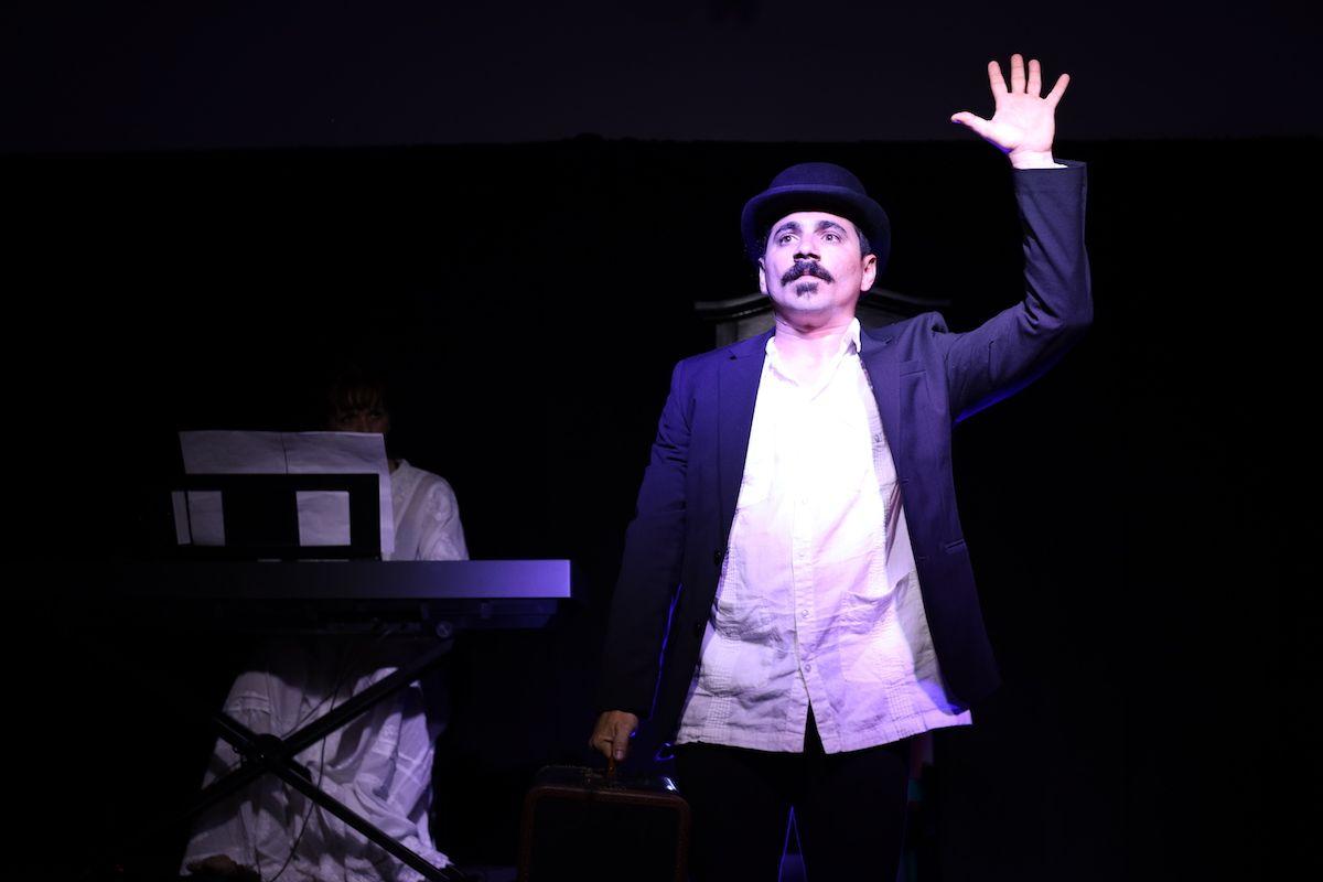 El actor Yerandy Basart en Adiós Cuba.