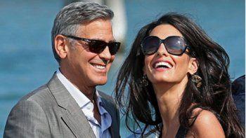 El actor George Clooney ysu esposa, la abogada Amal Clooney, donaron recientemente un millón y medio de dólares a seis organizaciones benéficas.