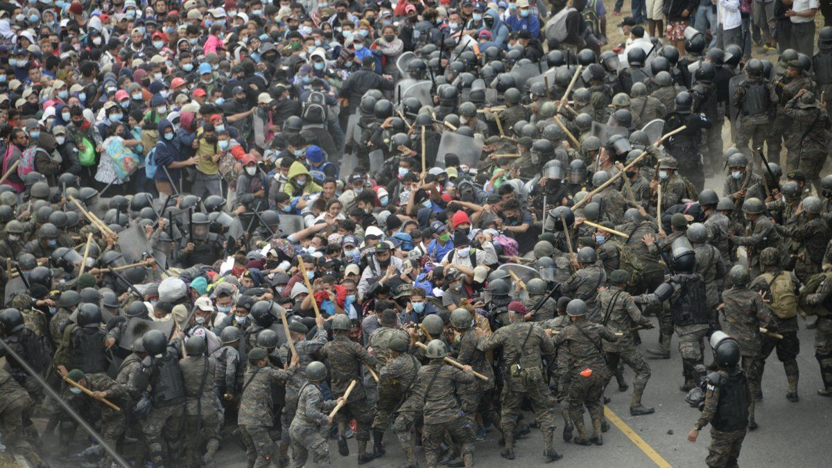 OIM pide evitar fuerza excesiva contra migrantes