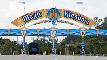 The Walt Disney Co. informó el 29 de septiembre de 2020 que planea despedir a 28.000 trabajadores de su división de parques de diversiones en California y Florida.