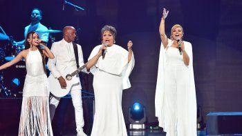 Yailenis Pérez, Malena Burke y Lena se presentan en el escenario de los Premios Juventud 2021 en el Watsco Center el 22 de julio de 2021 en Coral Gables, Florida.