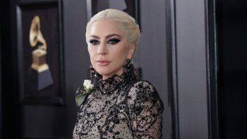 La Academia de la Grabación anunció hoy en un comunicado que, además de Lady Gaga, aparecerán por el escenario del Staples Center de la ciudad californiana otros músicos.