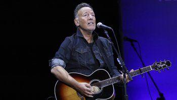 Bruce Springsteen durante su presentación en el 13er concierto benéfico Stand Up For Heroes en apoyo a la Fundación Bob Woodruff en Nueva York el 4 de noviembre de 2019. Springsteen recibirá el 13 de mayo el Premio Woody Guthrie Prize en honor a artistas que continúan el legado del artista folk de Oklahoma.
