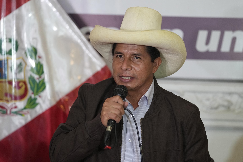Presidente Castillo enfrenta 46% de desaprobación