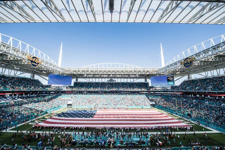 """El majestuoso Hard Rock Stadium ha sido anfitrión de espectáculos que han dado la vuelta al mundo. Ahora acogerá al ídolo """"Canelo"""" Alvarez"""