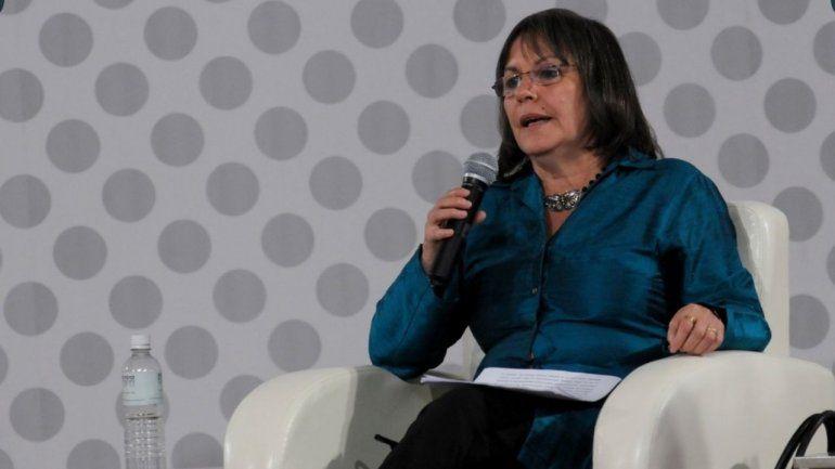 La escritora chilena Diamela Eltit ganó el Premio Internacional Carlos Fuentes a la Creación Literaria 2020 otorgado por la Universidad Nacional Autónoma de México y la Secretaría de Cultura