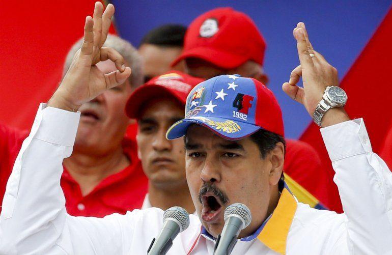 El presidente venezolano Nicolás Maduro habla durante un mítin antiimperialista por la paz
