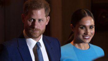 En esta foto de archivo tomada el 5 de marzo de 2020, Harry y Meghan, duquesa de Sussex, se van después de asistir a los premios Endeavour Fund Awards en Mansion House en Londres.