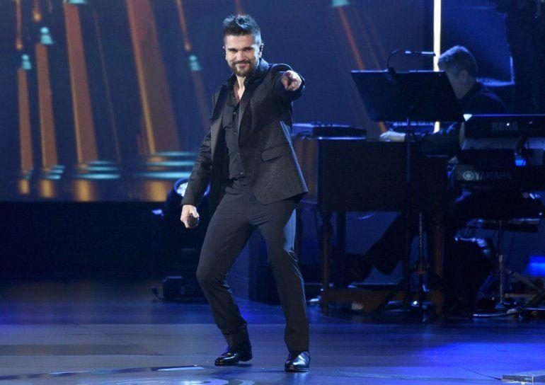 Juanes canta Quisiera Ser en el homenaje a la Persona del Año de la Academia Latina de la Grabación en honor a Alejandro Sanz el 15 de noviembre de 2017