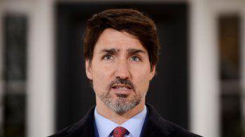 El primer ministro canadiense, Justin Trudeau, se dirige a canadienses sobre la pandemia de COVID-19 desde Rideau Cottaga en Ottawa, Canadá, el jueves 26 de marzo de 2020.