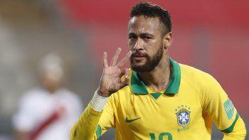 Neymar marcó tres de los cuatro goles de Brasil (28 y 84, ambos de penal, y 90+3) en la victoria parcial 4-2 ante Perú, en duelo por la segunda jornada del premundial sudamericano para Catar-2022