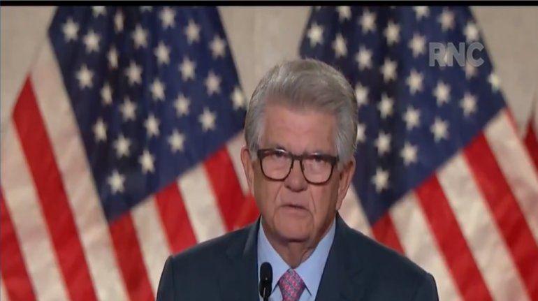 El empresario cubanoamericano Máximo Álvarez durante su discurso la noche del lunes durante la Convención Nacional Republicana en la que el presidente Donald Trump fue nominado a la candidatura por la reelección presidencial.