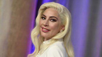 Gaga dio la noticia en una entrevista con Business of Fashion en coincidencia con el video, que exhorta a sus seguidores a aceptar sus propias ideas sobre la belleza.
