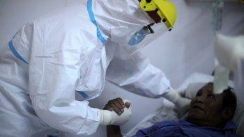 Argentina recibe 904.000 vacunas contra COVID-19 de laboratorio chino