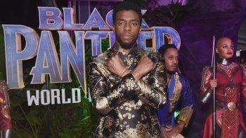 En esta foto de archivo tomada el 28 de enero de 2018, el actor Chadwick Boseman en el estreno mundial de La Pantera Negra de Marvel Studios en Los Ángeles en el Dolby Theatre de Hollywood, California.