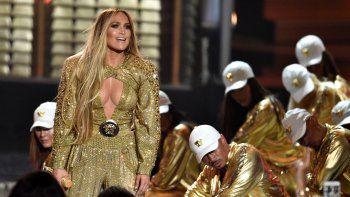 La ganadora del premio Video Vanguard, Jennifer Lopez, se presenta en los MTV Video Music Awards en Nueva York el 20 de agosto de 2018. López ayudará a traer el Año Nuevo con una actuación principal en el Time Square de Nueva York para Dick Clarks New Years Rockin Eve with Ryan Seacrest 2021.