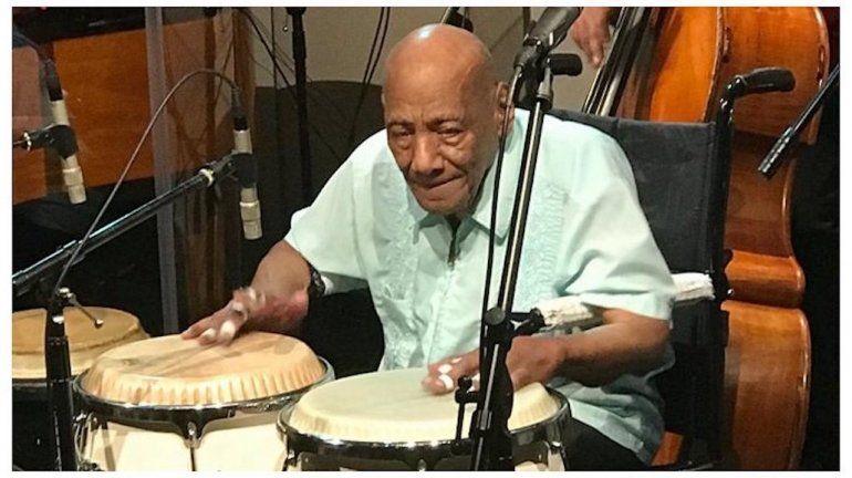 El legendario músico cubano Cándido Camero durante la celebración de su cumpleaños en Miami el pasado año.