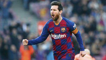 En esta foto del sábado 22 de febrero de 2020, Lionel Messi, de 32 años de edad, celebra tras anotar un gol para el Barcelona en el partido contra el Eibar en La Liga española.