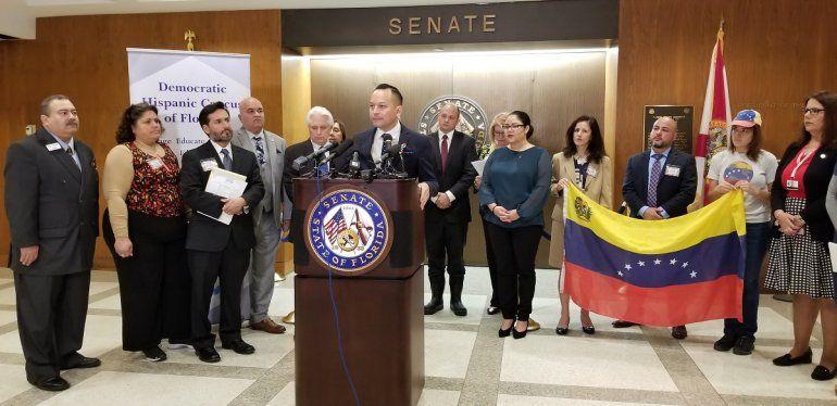 Rueda de prensa de la bancada hispana demócrata de Florida
