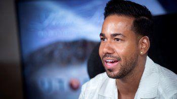Santos aguarda con expectación el próximo 21 de septiembre, fecha única en la que aspira a cantar para 80.000 personas en el show más espectacular de su carrera.