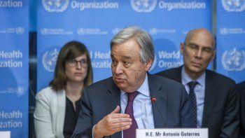 En esta fotografía del 24 de febrero de 2020, el secretario general de la ONU, António Guterres, habla durante una conferencia sobre el coronavirus en la sede de la Organización Mundial de la Salud, en Ginebra, Suiza.