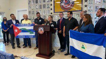 Líderes republicanos manifestaron su apoyo a la libertad de Cuba durante una rueda de prensa en el Museo Honorario de la Brigada de Asalto 2506, en Hialeah, este 21 de julio de 2021.