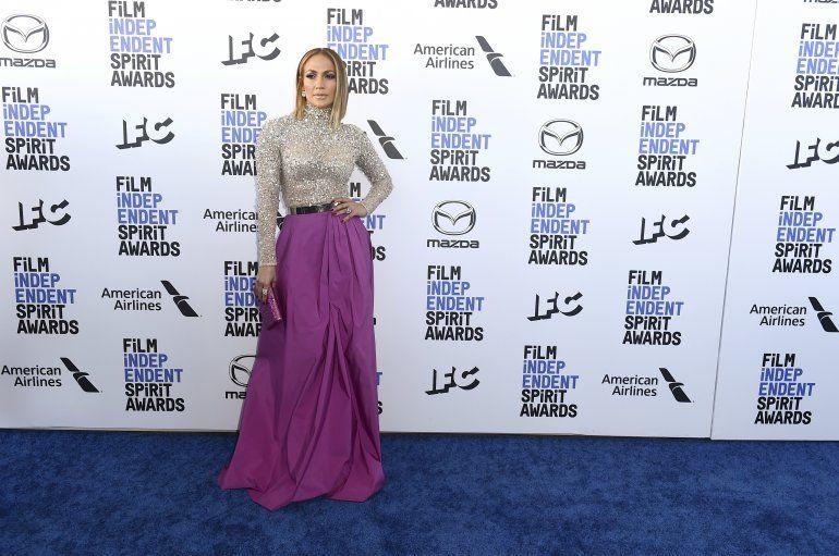 Jennifer Lopez llega a la ceremonia de los Premios Spirit del Cine Independiente el sábado ocho de febrero del 2020 en Santa Mónica