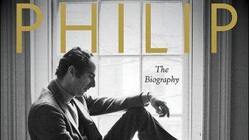 La portada de Philip Roth: The Biography de Blake Bailey en una imagen proporcionada por W.W. Norton. La editorialha detenido temporalmente el envío y promoción del libro porque su autor, Blake Bailey, enfrenta múltiples acusaciones de acoso y abuso sexual.