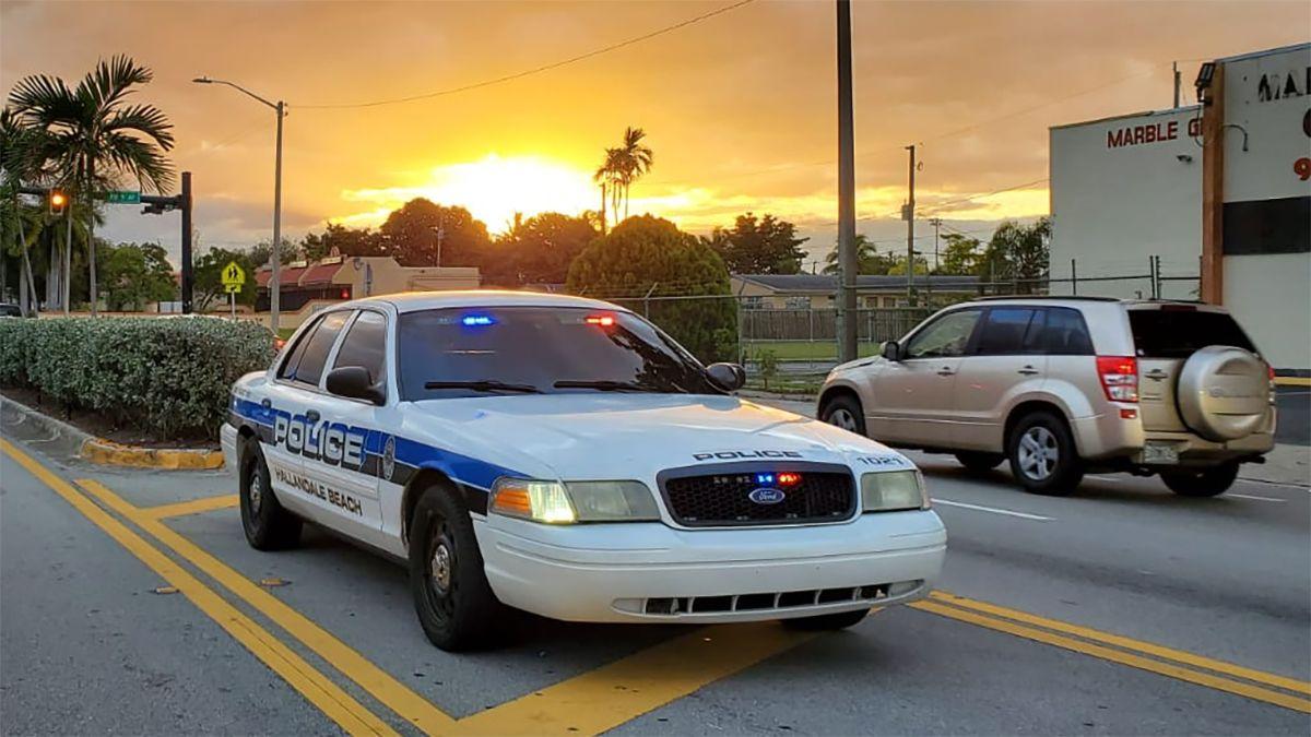 Patrulla de la Policía de Hallandale Beach.