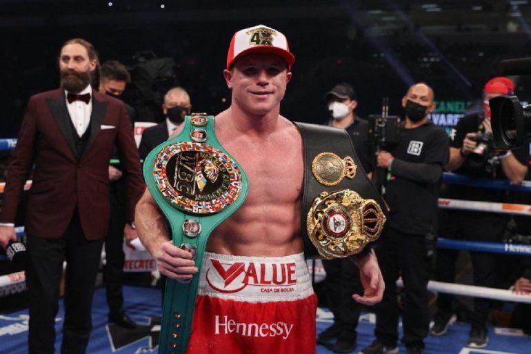 """Saúl """"Canelo"""" Alvarez expondrá en Miami sus dos cinturones de campeón mundial de boxeo"""