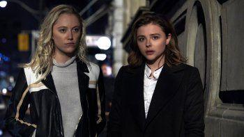 Greta, que se estrena este fin de semana, se escapa de algunos clichés de los thrillers de Hollywood sobre obsesiones y paranoias: aquí no hay novios celosos, ni tramas sexuales.