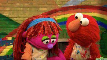 Lily -una marioneta de un brillante color rosa- relatará la experiencia de vivir en una familia que va de albergue en albergue o pasando tiempo con familiares porque no se pueden permitir tener un techo.