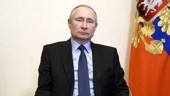 El presidente de Rusia, Vladimir Putin, preside una reunión del Consejo de Seguridad por videoconferencia desde la residencia Novo-Ogaryovo, a las afueras de Moscú, Rusia, el 12 de marzo de 2021.