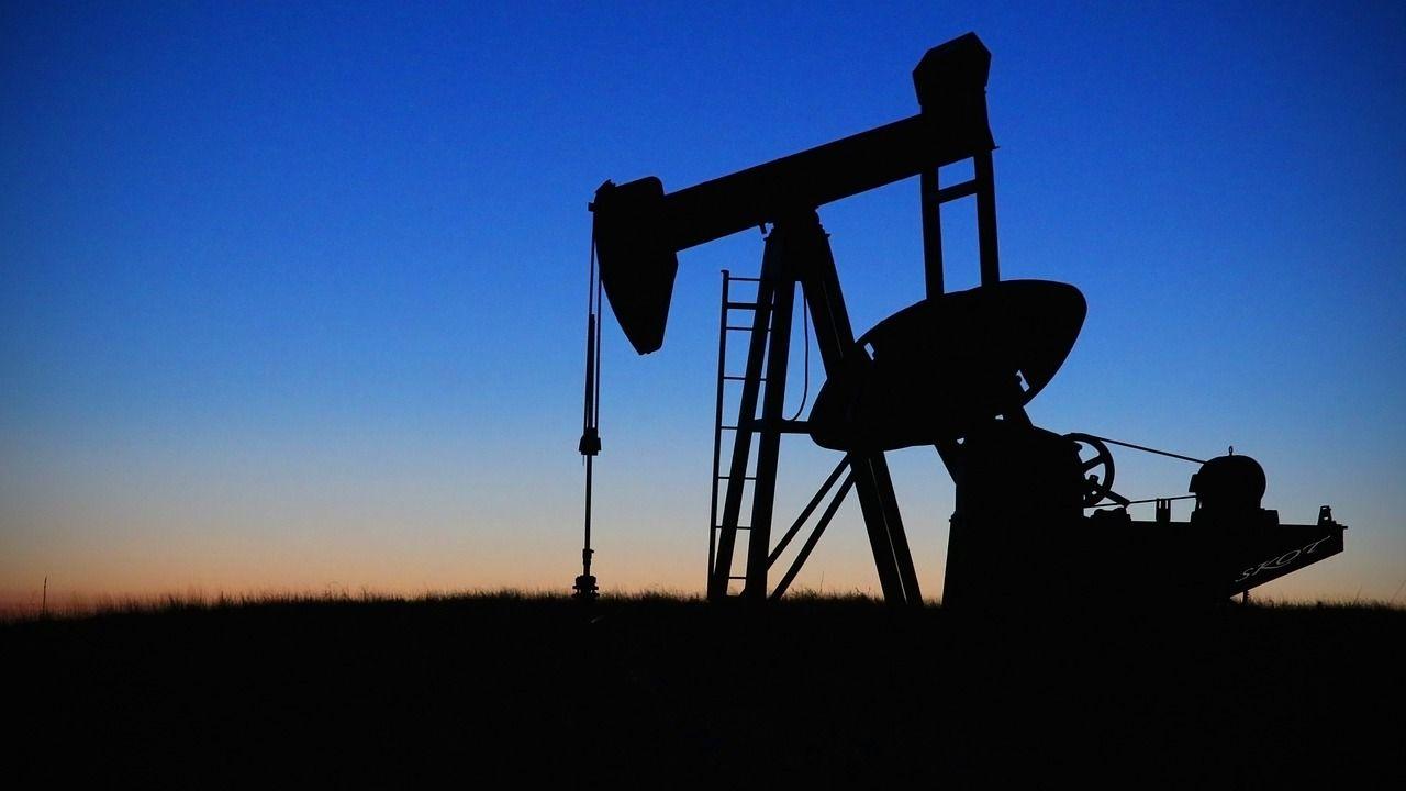 Suben los precios del petróleo
